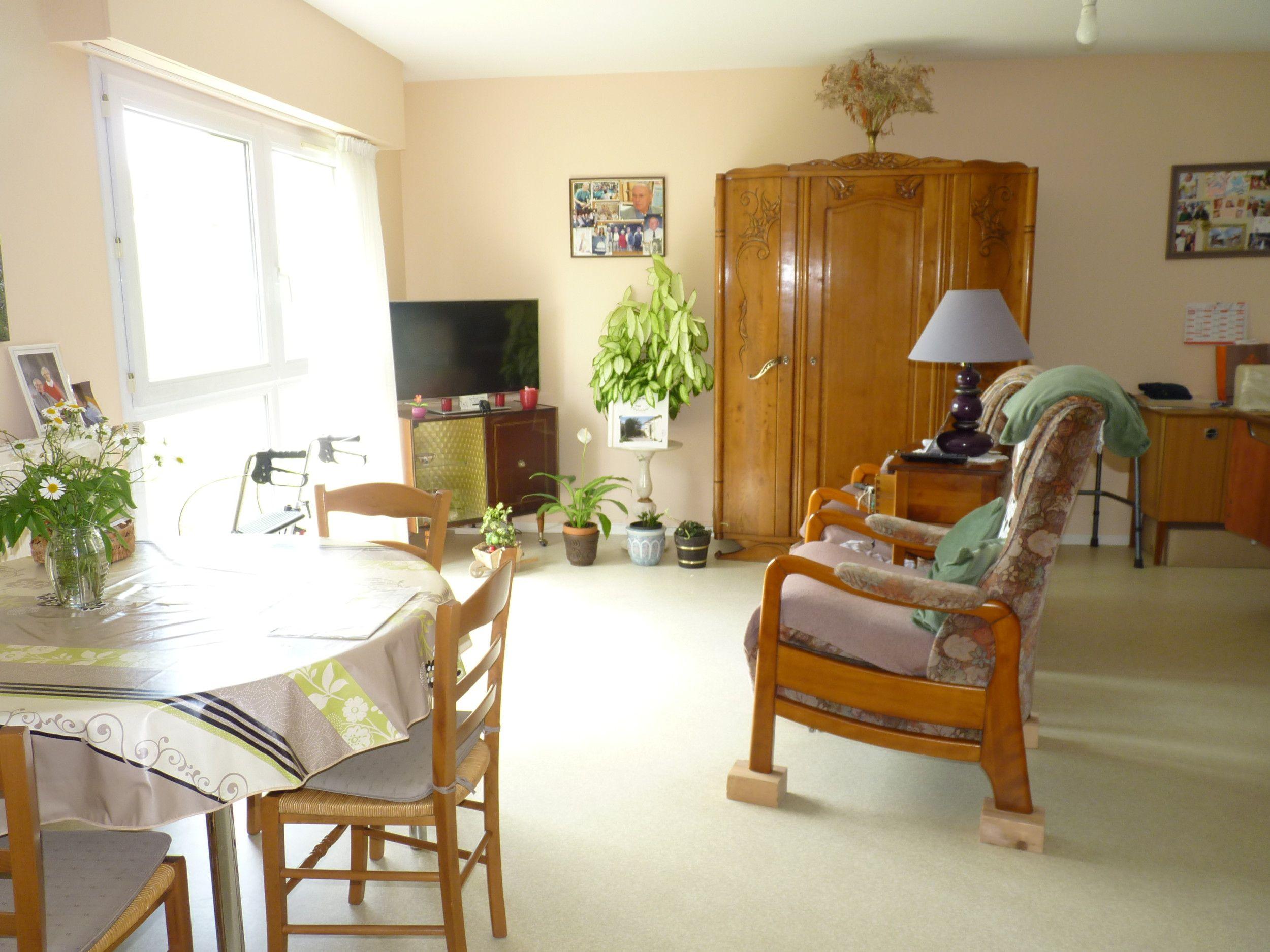 ehpad la charmille. Black Bedroom Furniture Sets. Home Design Ideas